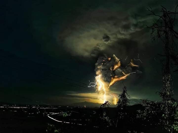 volcano eruption philippines
