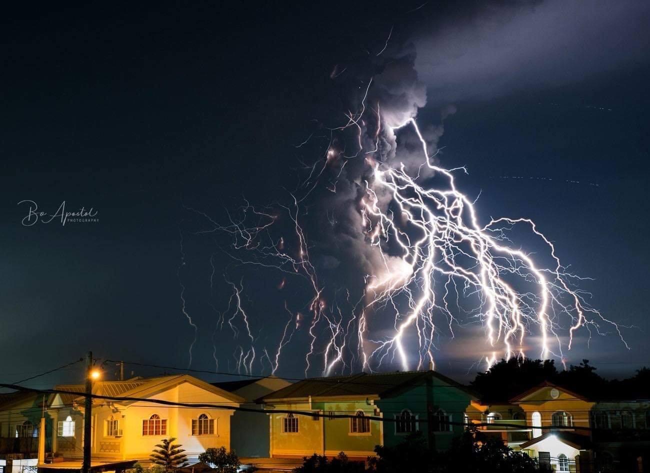 taal lightning