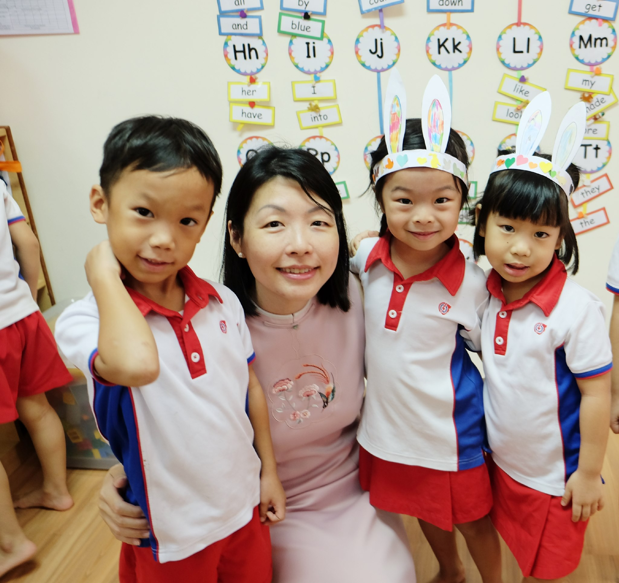 Cheryl Chan Fengshan MP with PCF Sparkletots kids