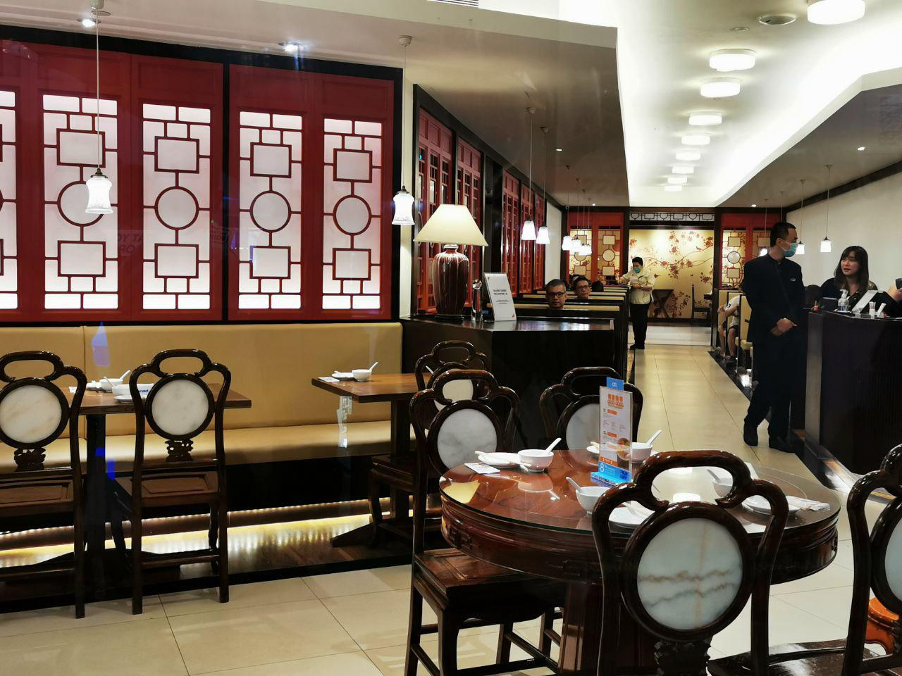 soup restaurant distance between tables NEX