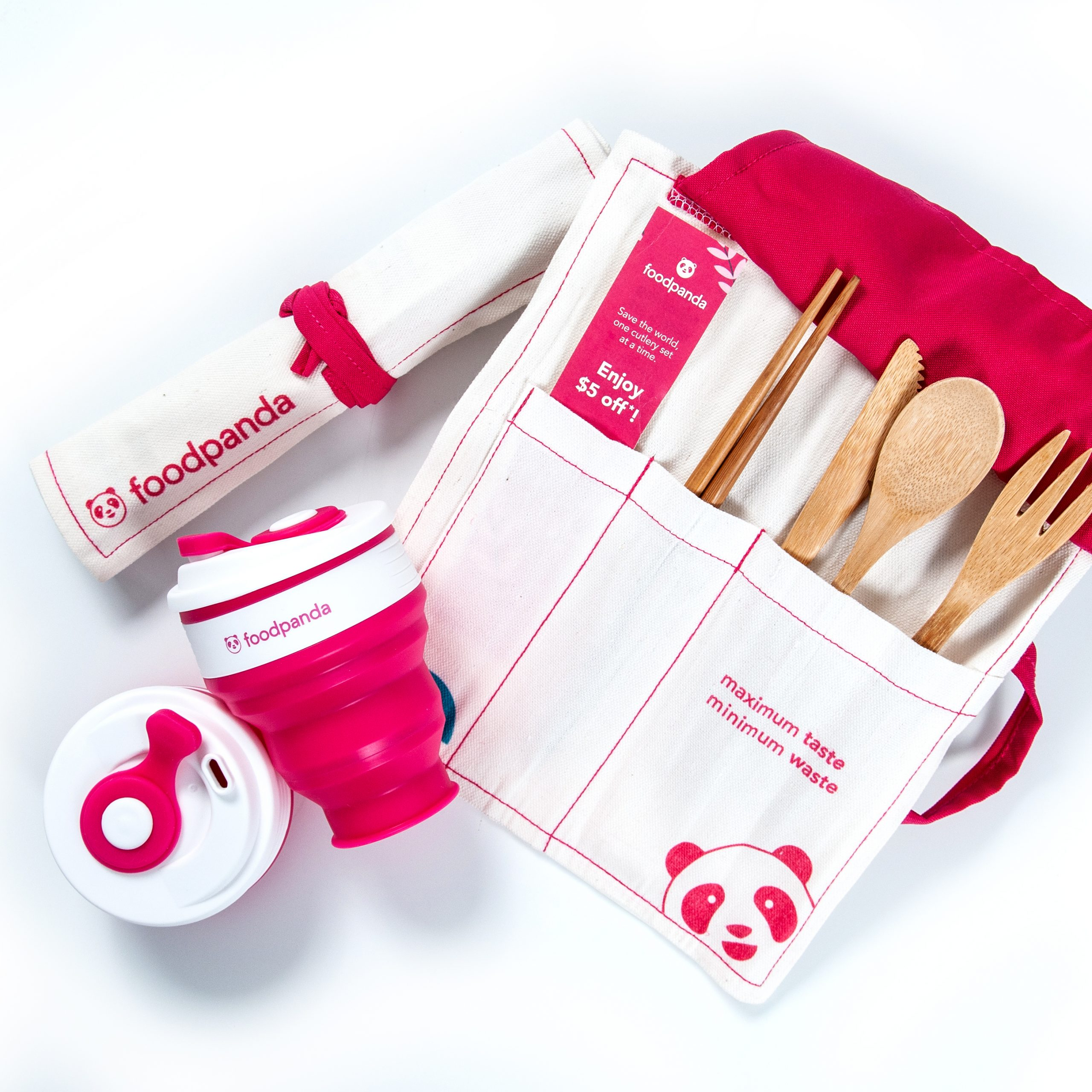 photo of foodpanda cutlery and collapsible cup