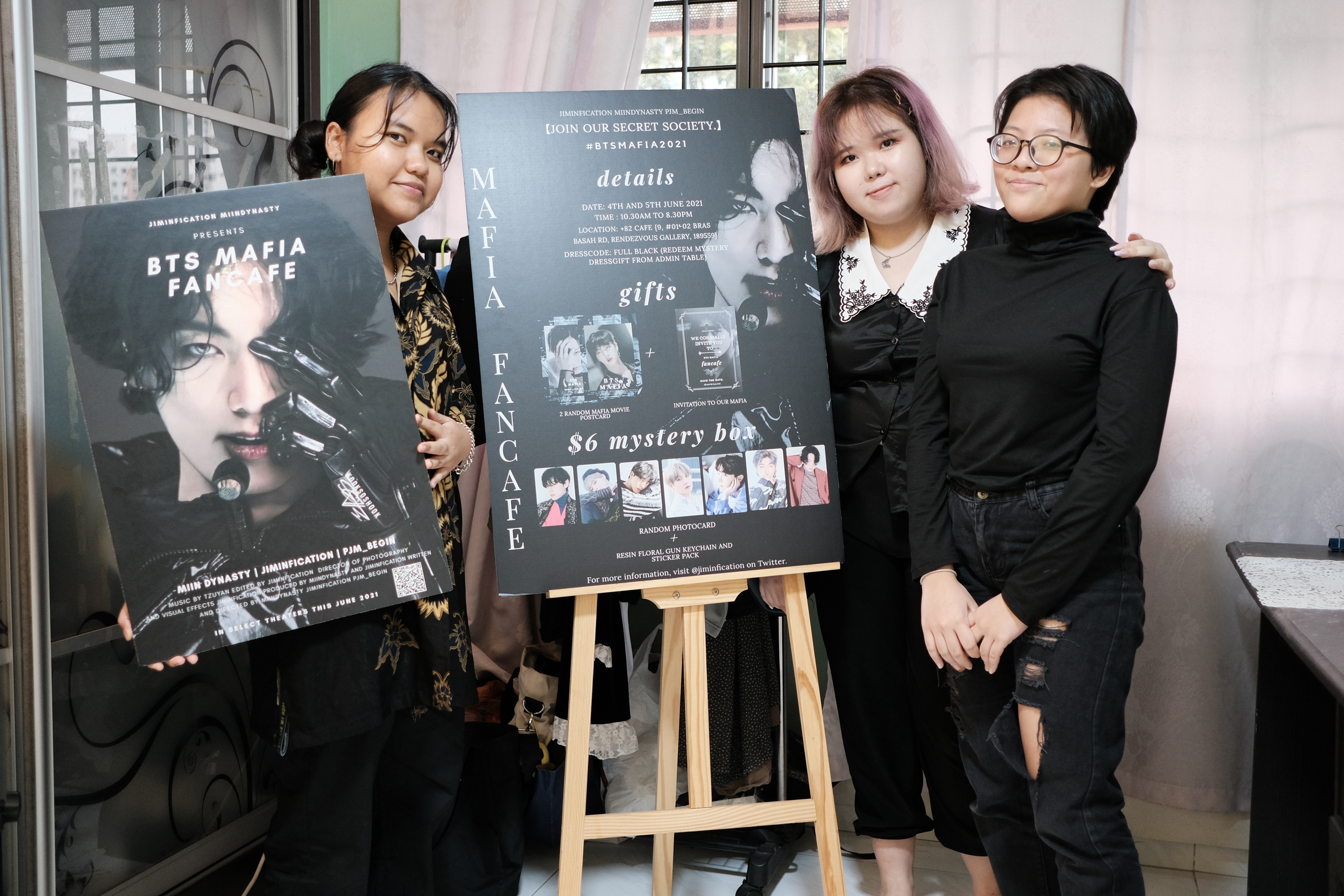 Image of Ng Kwok Ching and her friends Saz and Jae
