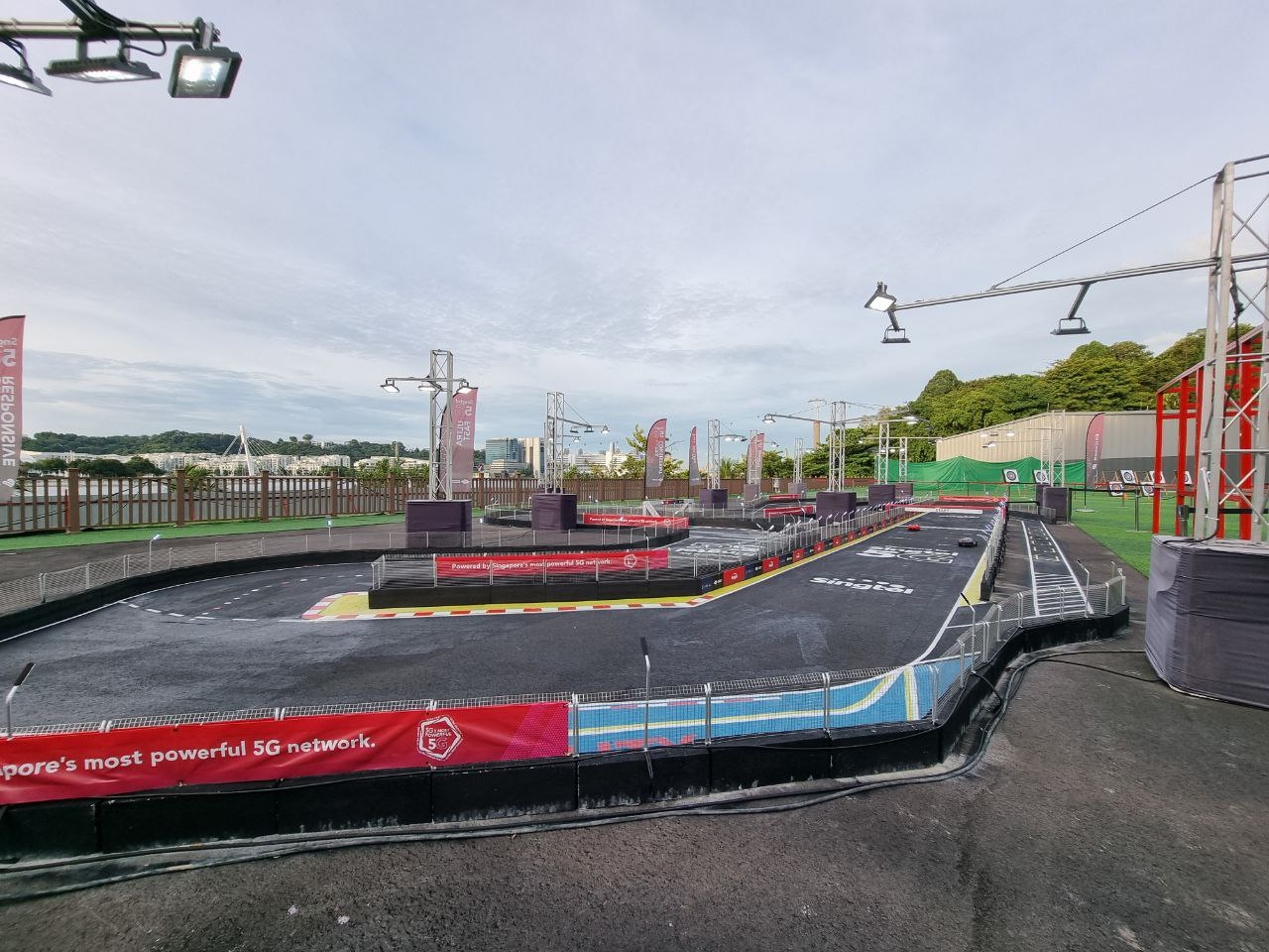 Image of the Night E-racing Track